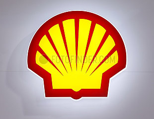 Shell  Logo am Messestand auf der Messe E-world energy & water  Essen  Nordrhein-Westfalen  Deutschland  Europa