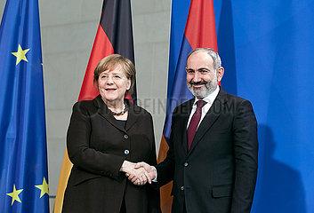 Berlin  Deutschland - Nikol Paschinjan  Ministerpraesident der Republik Armenien und Bundeskanzlerin Angela Merkel.
