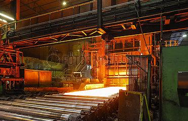 ThyssenKrupp Steel  Grobblechwerk  Huettenheim  Duisburg  Ruhrgebiet  Nordrhein-Westfalen  Deutschland  Europa