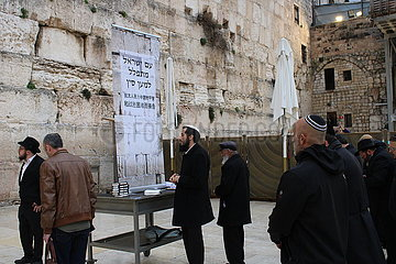 MIDEAST-JERUSALEM-CHINA-NOVEL CORONAVIRUS-PRAY