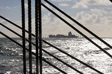 Frachtschiff auf der Nordsee | cargo ship on the North Sea