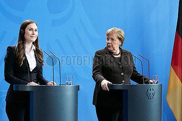 Berlin  Deutschland - Sanna Marin  Ministerpraesidentin der Republik Finnland und Bundeskanzlerin Angela Merkel.