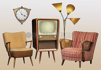 Wohnzimmer  typische Einrichtung der Fuenfziger Jahre  1959