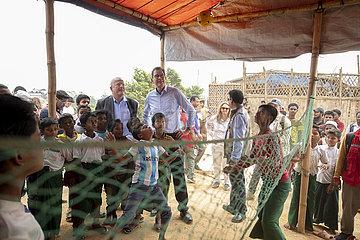 Bundesentwicklungsminister Gerd Mueller  CSU  in Bangladesch