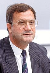 Dietmar Schlee  CDU  Innenminister von Baden-Wuerttemberg  1986