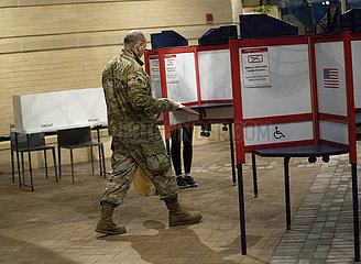 US-VIRGINIA-ELEMENTAR-VOTING-SUPER DIENSTAG