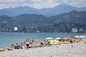 Batumi  Georgien  Menschen am Strand