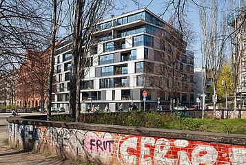 Neubau fuer Wohnungen am Engeldamm Ecke Adalbertstrasse in Berlin-Kreuzberg
