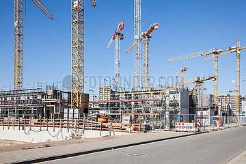 Baustelle fuer Wohngebaeude im Baakenhafen in der HafenCity im Hamburger Hafen