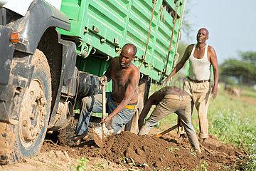Burferedo  Somali Region  Aethiopien - Festgefahrener LKW