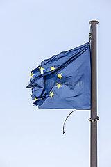 Zerrissene Europafahne  EUROPA IN DER KRISE  Deutschland