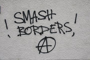 smash borders