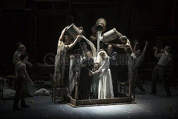 Komische Oper ANATEVKA