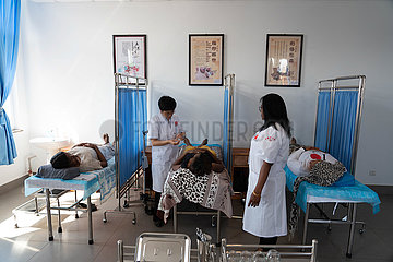 AFRICA-COVID-19-Traditionelle Chinesische Medizin