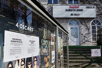 Berlin  Deutschland  das Kino Capitol hat aufgrund der Verordnung des Berliner Senats zur Eindaemmung des Coronavirus geschlossen