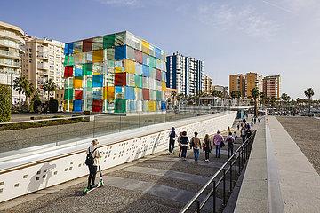 El Cubo des Centre Pompidou  neues Hafenviertel  Hafenpromenade Muelle Uno  Malaga  Andalusien  Spanien  Europa