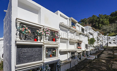 Friedhof im Bergdorf Sayalonga  Andalusien  Spanien  Europa