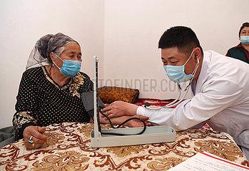 CHINA-XINJIANG-Huocheng-Hausarzt (CN)