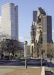 Hotel + Kirche