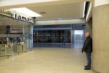 Deutschland  Bremerhaven - Wegen Corona kaum Betrieb im Columbus Shopping Center