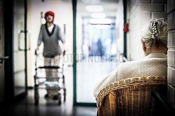 Symbolfoto zum Thema Altenplfege