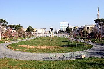 ALBANIEN-TIRANA-COVID-19