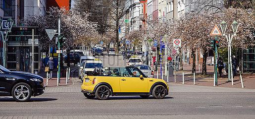 Ruettenscheider Strasse  Einkaufsstrasse in Essen Ruettenscheid  Essen  Ruhrgebiet  Nordrhein-Westfalen  Deutschland