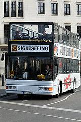Berlin  Deutschland  Sightseeing-Bus