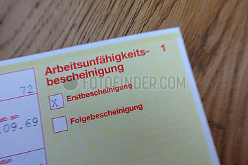 Berlin  Deutschland  Symbolfoto: Arbeitsunfaehigkeitsbescheinigung