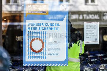 Aldi Filiale  Essen  Ruhrgebiet  Nordrhein-Westfalen  Deutschland