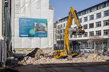 Vonovia baut ein Mehrfamilienhaus  Ruettenscheider Strasse  Ruettenscheid  Essen  Ruhrgebiet  Nordrhein-Westfalen  Deutschland
