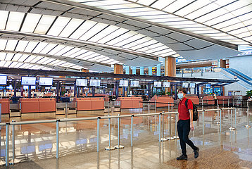 Singapur  Republik Singapur  Leere Abflughalle im Terminal 2 am Flughafen Changi
