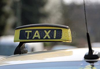 Berlin  Deutschland  Symbolfoto: Taxi