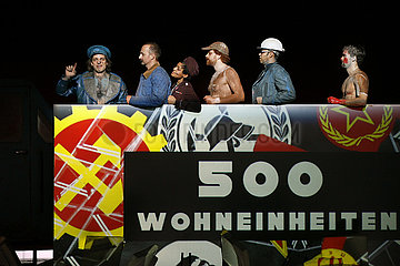 Maxim Gorki Theater Berlin ZEMENT