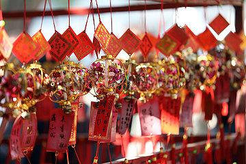 Macau  China  Wunschzettel haengen im A-Ma Tempel