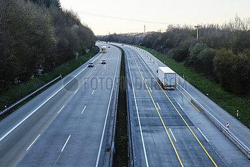 Coronakrise  wenig Verkehr auf der Autobahn A3  Neustadt (Wied)  Rheinland-Pfalz  Deutschland