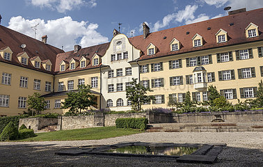 Gebaeude  ehemaliges katholisches Kinder- und Jugendheim Piusheim  Gemeinde Baiern  2018