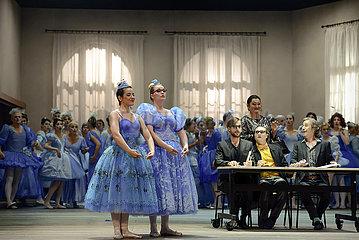 Komische Oper Berlin CENDRILLON