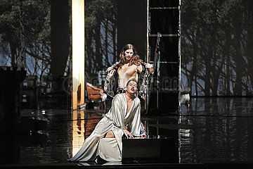 Deutsche Oper Berlin COSI FAN TUTTE