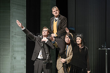 Theater am Kurfuerstendamm Berlin ER IST WIEDER DA