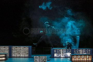 Maxim Gorki Theater Berlin DICKICHT