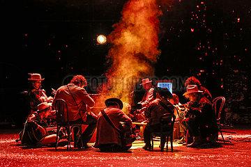 Berliner Ensemble DIE DANKSAGER