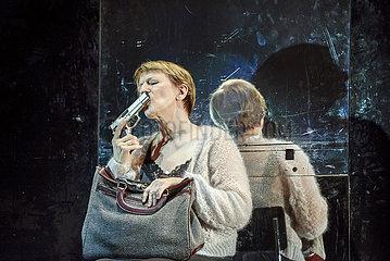 Deutsches Theater Berlin GLUECKLICHE TAGE