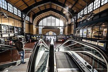 Hamburger Hauptbahnhof in Zeiten von Corona