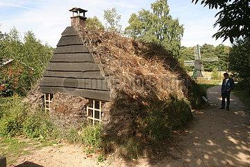 Niederlande  eine Lehmhütte (Plaggenhut in Niederländisch) von Onstwedde und jetzt im Freilichtmuseum in Arnheim. Diese Hütte oder Haus wurde von sod von armen Menschen  die Steine ??oder Holz nicht sich leisten kann.