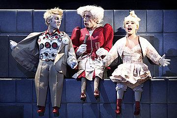 Berliner Ensemble DER PARASIT