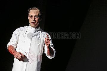 Maxim Gorki Theater GLAUBE LIEBE HOFFNUNG