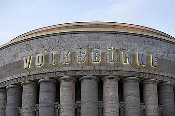Volksbuehne am Rosa-Luxemburg-Platz Berlin EINTRITT FREI