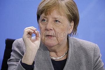 Bundeskanzleramt PK nach Coronagespraech 15.4 20
