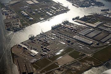 Amsterdam  Niederlande  Industrie am Nordseekanal